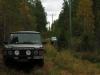 Kuva Oulun maastoautokerhon perinteisestä Taivalkosken harjoituksesta. Harjoituksen tarkoituksena on kehittää suunnistustaitoa ja maaston lukua. Alueella on paljon erilaisia uria vaihtelevassa maastossa, joten reitin rastille voi valita kaluston mukaan.